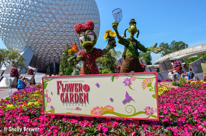 Flower & Garden Welcome Sign